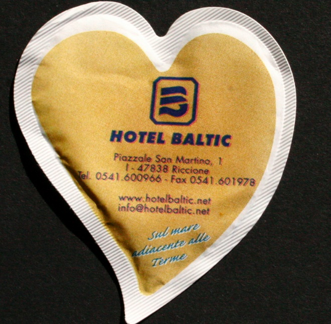 bustina personalizzata a cuore bianco 2
