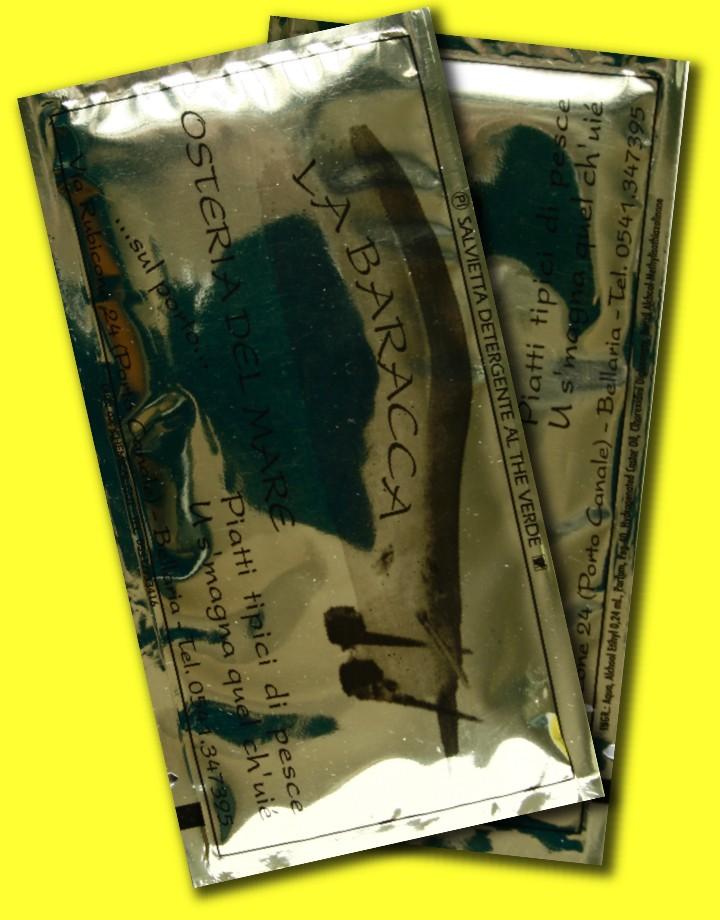 salviettine umidificate con carta oro